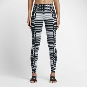 Nike Legendary Engeneered Lattice Tight